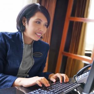 Multilingual hotel customer servcie